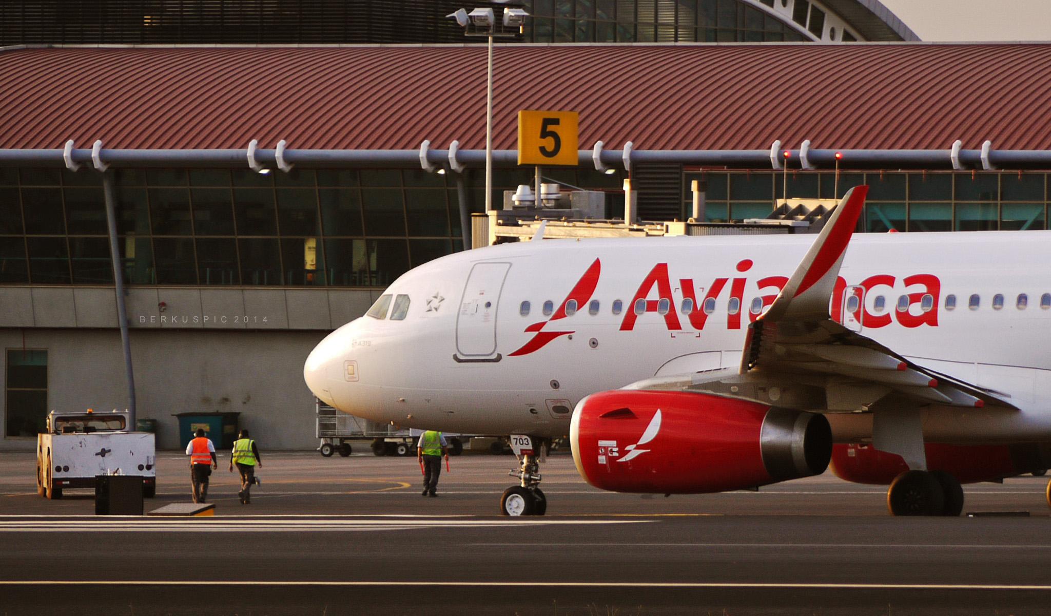 Avianca lanza Avianca Express, aerolínea regional    Aviación 21
